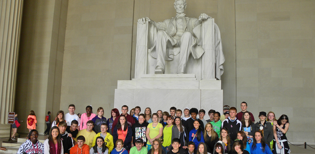 StudentsExperienceWashingtonDC-KellyTourswillplanyourwashingtonDCfieldtrip-travelbydeluxemotorcoachtowashingtondc